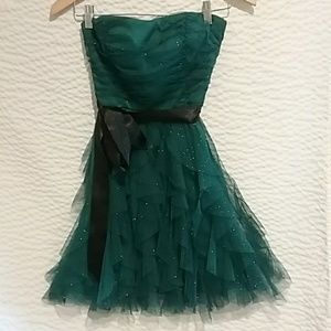 green sparkly prom or anytime dress!Size 7